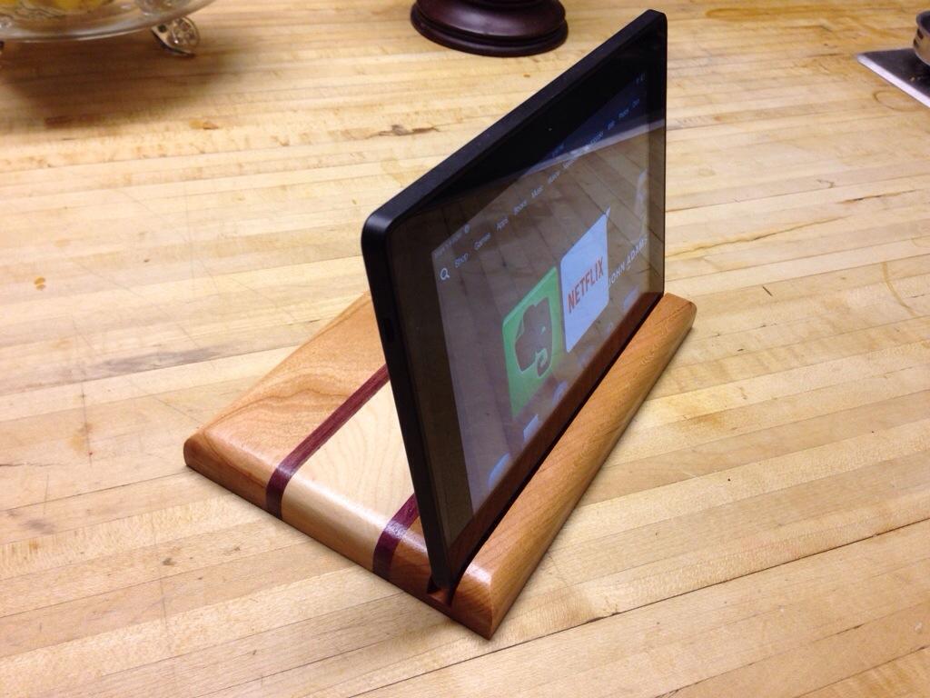 Tablet Stand   DIY Craft Addiction